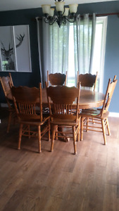Coffee table + 6 chairs