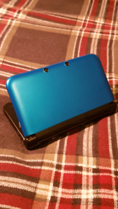 OBO - Nintendo 3DS XL Blue w/ 10 Games and Charger!