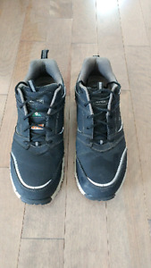 Chaussure de travail avec cap acier