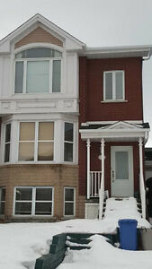 4 1/2 Townhouse for Rent in Brossard