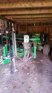 Round bale wrapper, Round hay feeders, Headgate