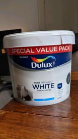 Pure brilliant white Matt paint