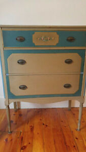 Unique Three draw dresser