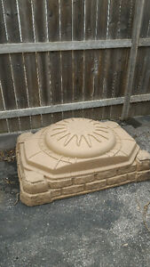 Children's Sandbox with Lid