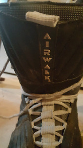 Mens size 11 Snowboarding boots
