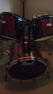 5 Piece Pearl Forum Drum set, Red with Black Hardware