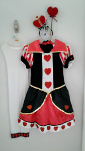 Queen of hearts costume with accesories