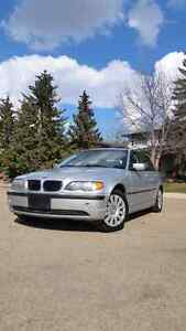 BMW 2003 320i Low KMS/ Mint Condition