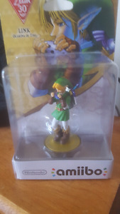 SOLD OUT!!!! Link/zelda amiibos new. LIMITED EDITION