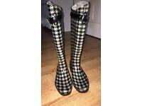 Ralph Lauren Wellies size 4.5, worn once! £35.00 Ono!!