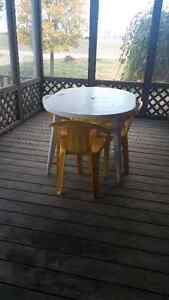 Table 4 chairs