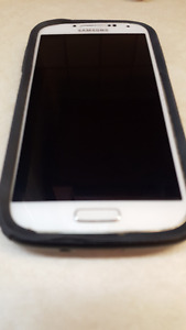 SAMSUNG S4 with Black OTTER BOX + CHARGER + 5' CORD