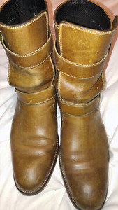 Cole haan nike air distressed buckle boots size 8 mens