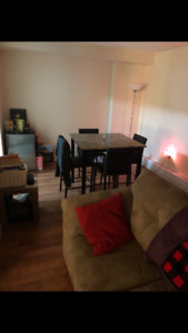 2Bed 1Bath avail. March1 $950
