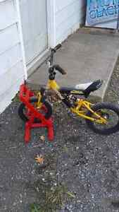 Beginners 2 wheel bike with stand