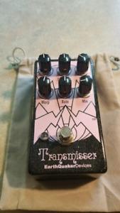 Earthquaker Transmisser pedal