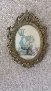 Victorian style brass picture frame from the 1900's!