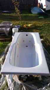 6 Foot Jet tub used. Excellent condition