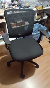 Mesh back office chair - chaise de bureau
