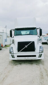 2014 Volvo day cab engine D13  transmission 10speed manual
