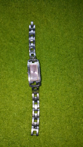 ORIGINAL GUESS WRISTWATCH FOR SALE! NEEDS BATTERY! WORKS GOOD!