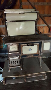 Findlay Oval Cook Stove