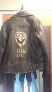 harley davidson jacket in mint shape $125 Large