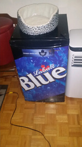 LABATT BLUE DANBY MINI FRIDGE