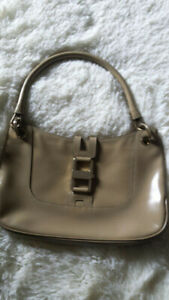 f51acd930a Vintage Gucci | Kijiji - Buy, Sell & Save with Canada's #1 Local ...