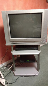 "24"" sony with matching stand. $50.00 Kitchener / Waterloo Kitchener Area image 1"