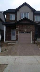 Townhome for rent - 3 bed, 2.5 bath