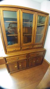 Oak veneer china cabinet and hutch