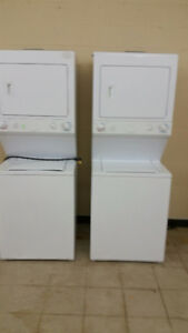 ONE PIECE WASHER/DRYER STACKABLE APARTMENT SIZE HOME SHOW MODEL