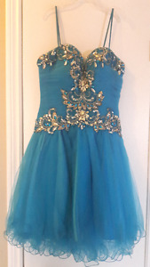 Gorgeous Graduation or Prom Dress~Blue Sequinced Size 0
