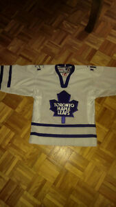 HOCKEY MAPLE LEAFS JERSEYS