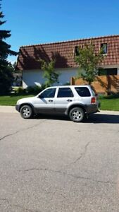 READY FOR WINTER:- 2003 Ford Escape XLT