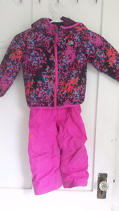 3T north face snowsuit