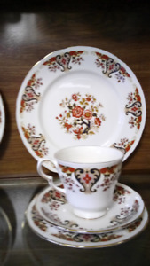Fine Irish Pattern China Set