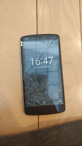 Nexus 5 for sale / a vendre Gatineau Ottawa / Gatineau Area image 1