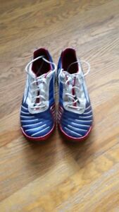 UMBRO Indoor Soccer Shoes - Youth Size 8