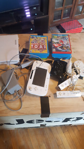 Wii U with 10 games and controlers