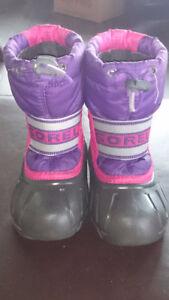 Sorel Girl Winter Boots Size 8 in pink/purple