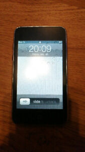 iPod Touch 32GB - 2nd Gen