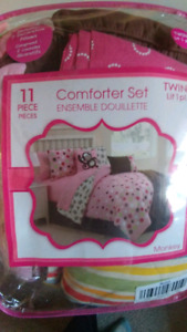 11 piece twin bedding set with extra sheet set and pillow