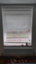 Venician blinds white 126cm x6