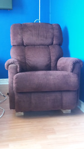 Chaise inclinable tres tres bon contision