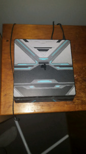Ps4 with skin! Great condition with original box