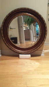 Round mirror 40 inches in its original packaging