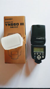 Yongnuo YN560 III speedlight flash - Almost new