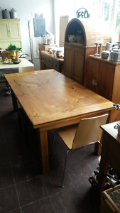 RURAL ROOTS DECOR SHOP:  Dining Room Tables
